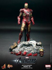 The-Avengers-Battle-Damaged-Mark-VII-Movie-Promo-Edition-4